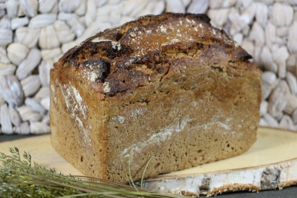 Bio-Backhausbrot